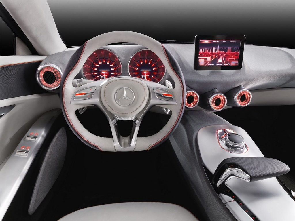 Mercedes-A-Classe-2011-Dashboard-Interior Concept Cars News